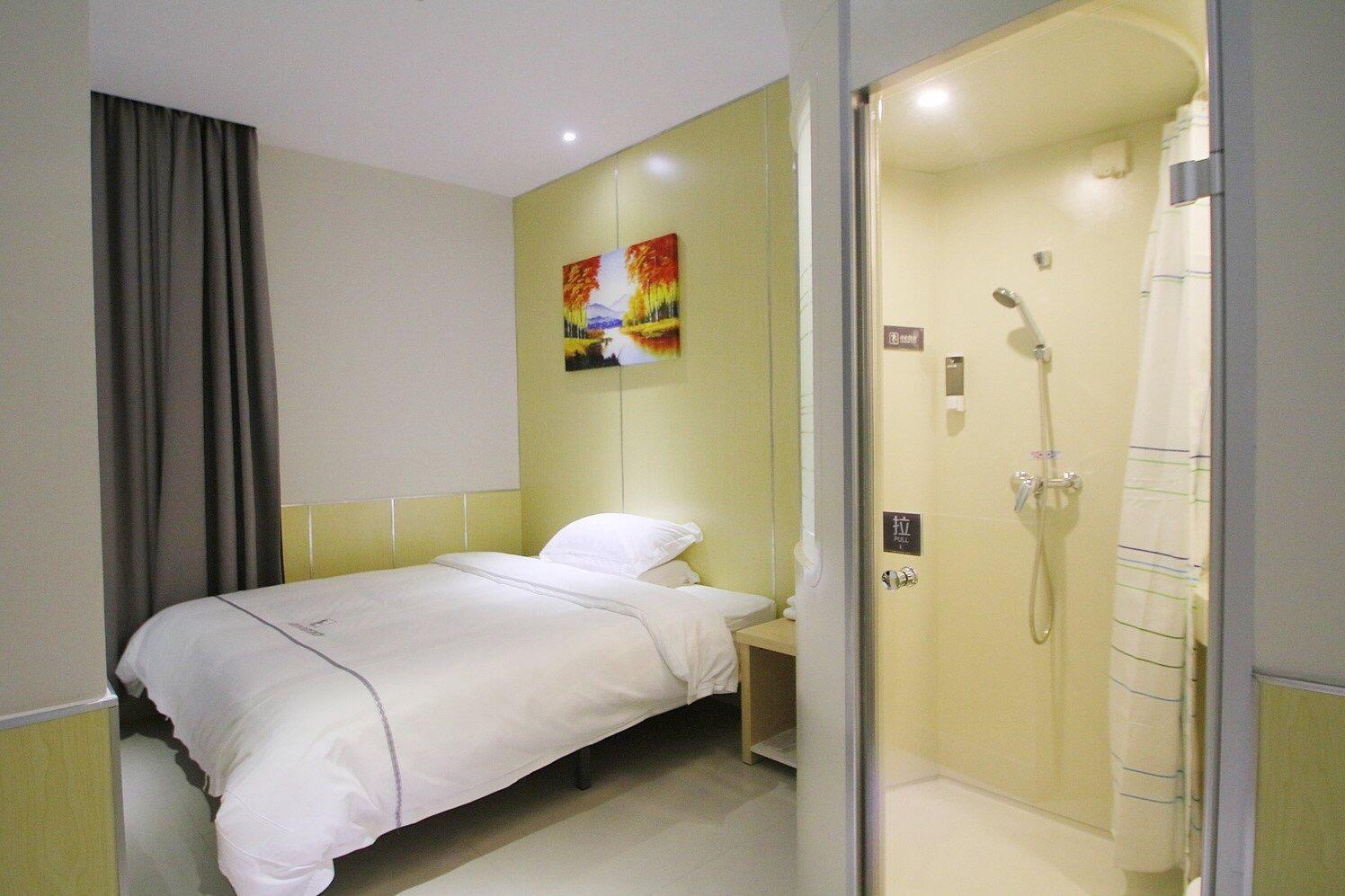 100 Inn Plus Disney Airport Hotel