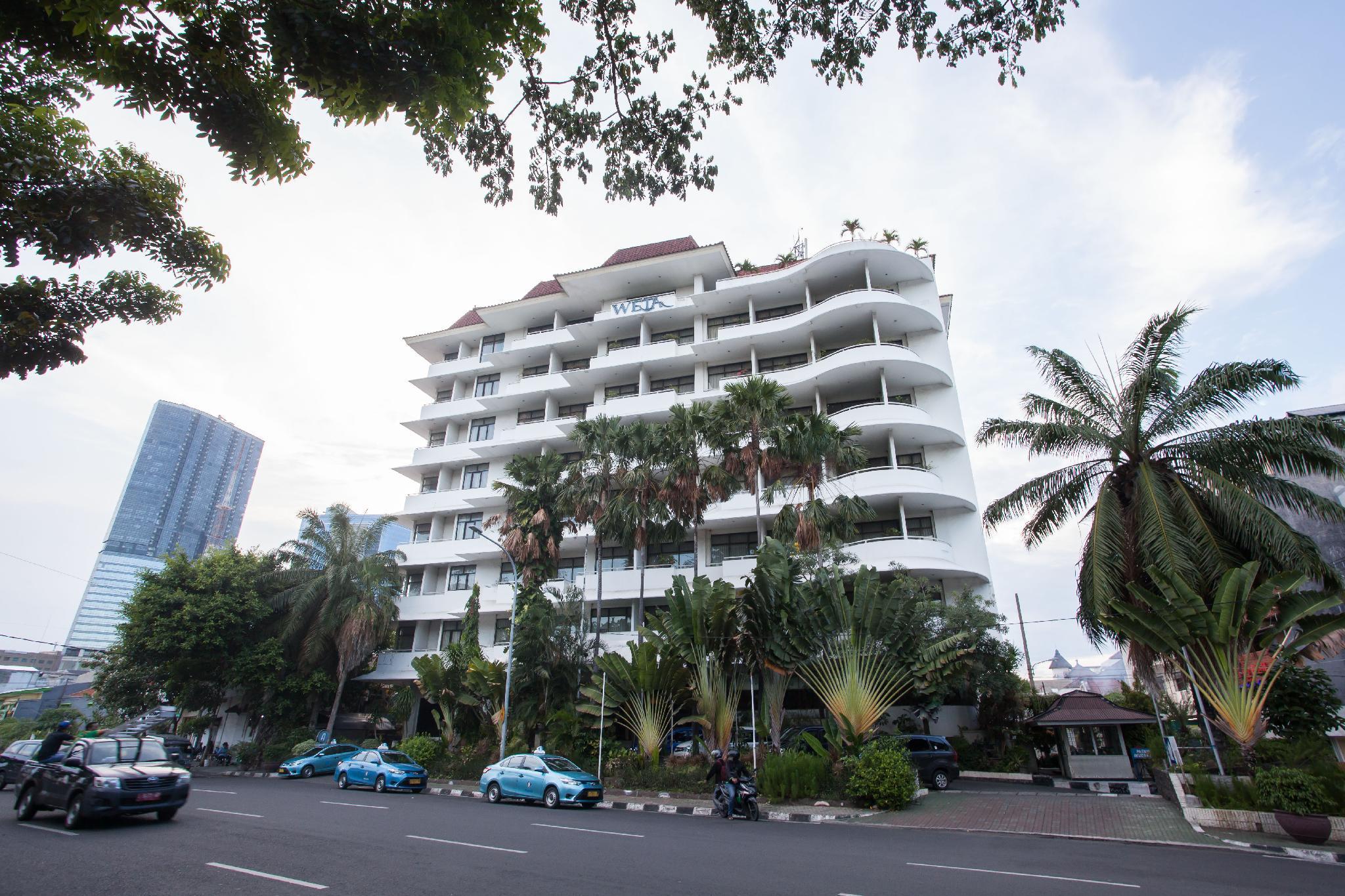 RedDoorz Plus @ Surabaya City Center