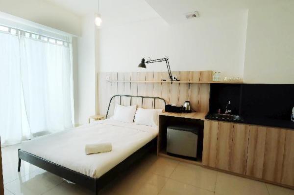 Classic Studio Tree Park Apartment By Travelio Tangerang