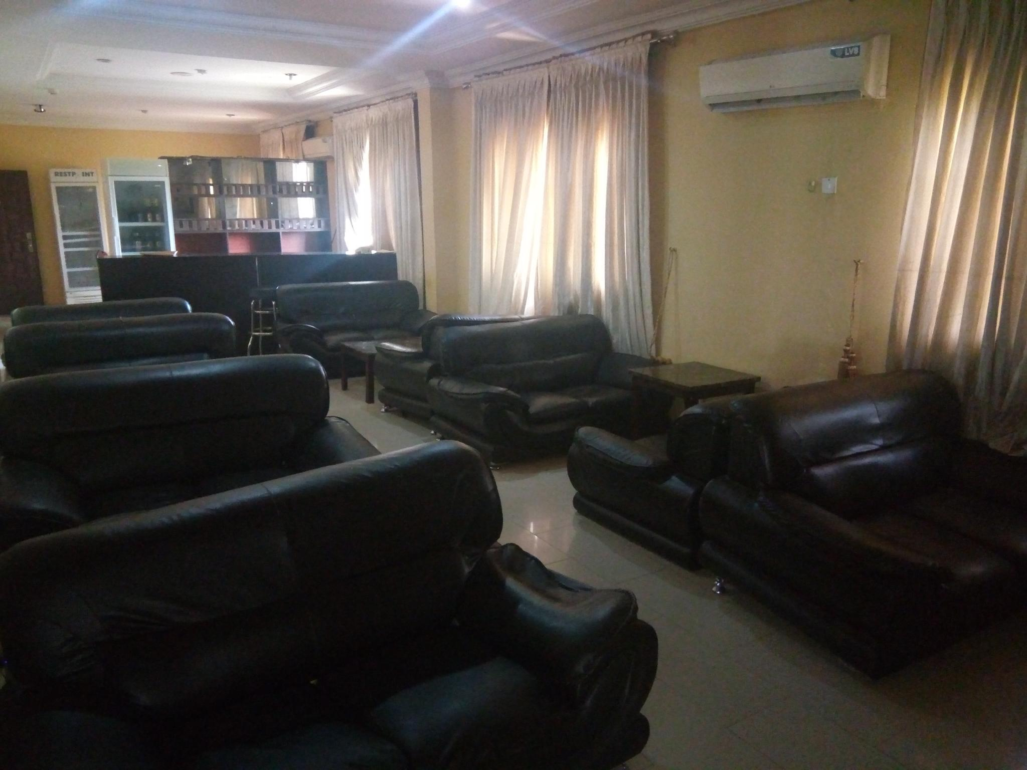 Deroma Hotels & Suites