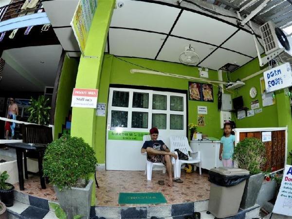 Alena Dorm Room Koh Phi Phi