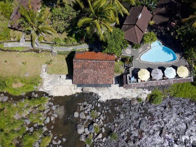 Tepi Sungai Guest House