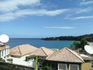 Paradise White House Villa-Ocho Rios