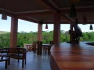 Terrace Ampels