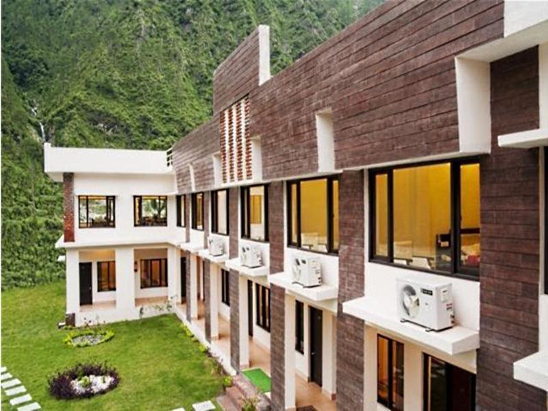 Shiv Parivar Resorts