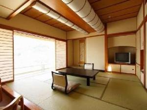 กามิซุวะ ออนเซ็น อาบุรายะ เรียวกัง (Kamisuwa Onsen Aburaya Ryokan)