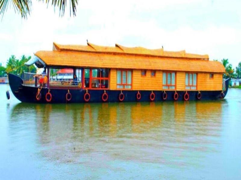 Elisha Houseboats