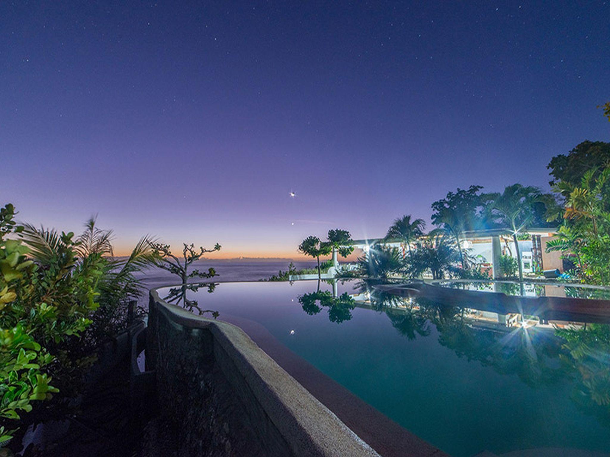 Bunzies Cove Resort
