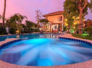 Baan Nam Poon Resort