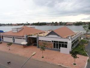 カンポン ベイ マケン ゲストハウス (Kampongbaymakeng Guesthouse)
