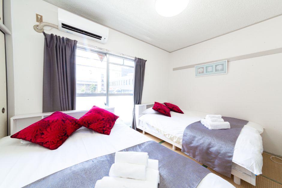 Near Tsutenkaku  Comfy Room For 6 People  HB401