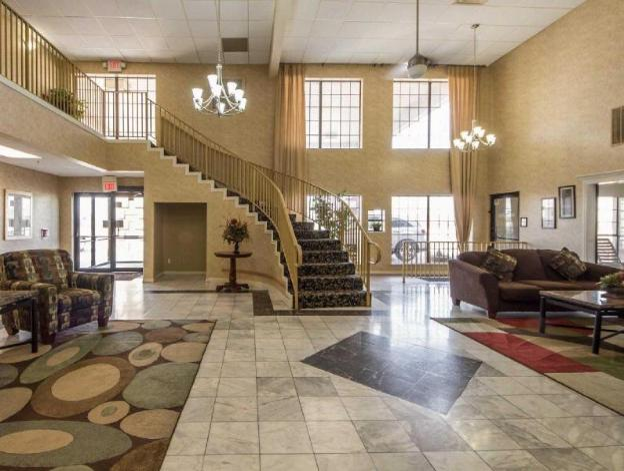 Rodeway Inn and Suites East I44 Tulsa