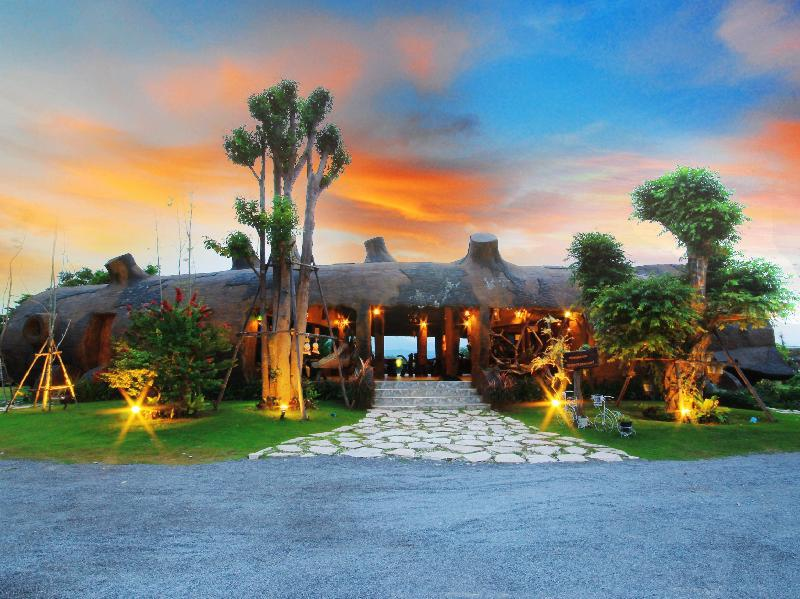 Timberland And Fruit Resort