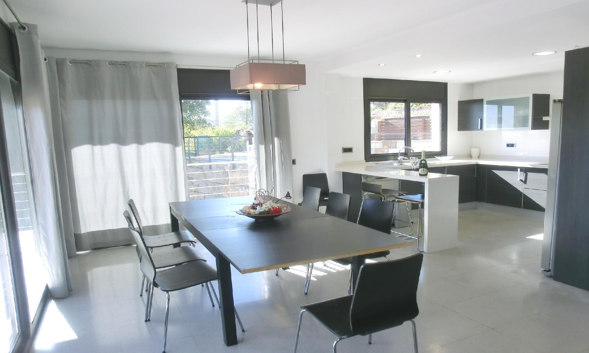 104664   Villa In Lloret De Mar
