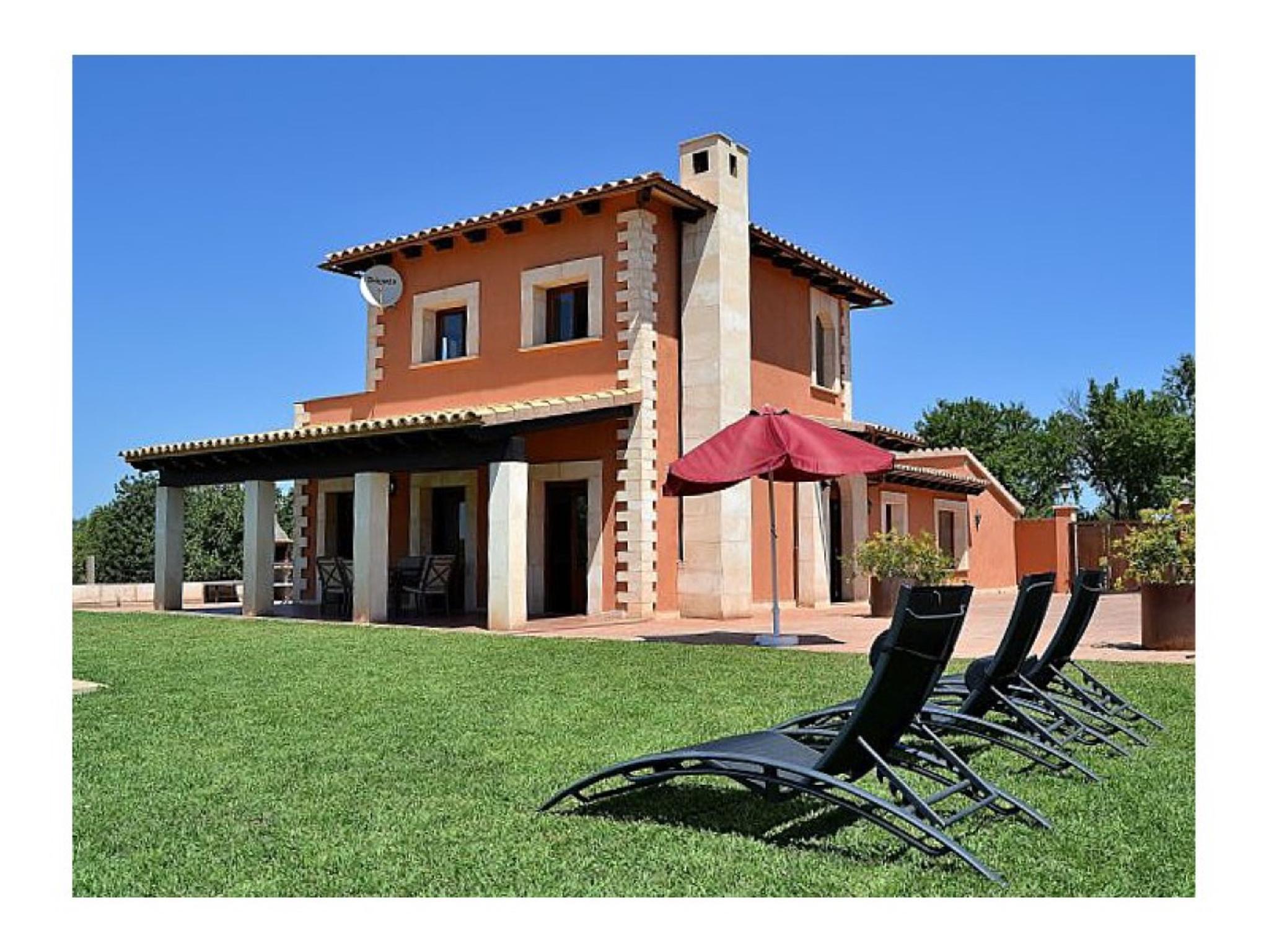 102038 -  Villa in Santa Margalida