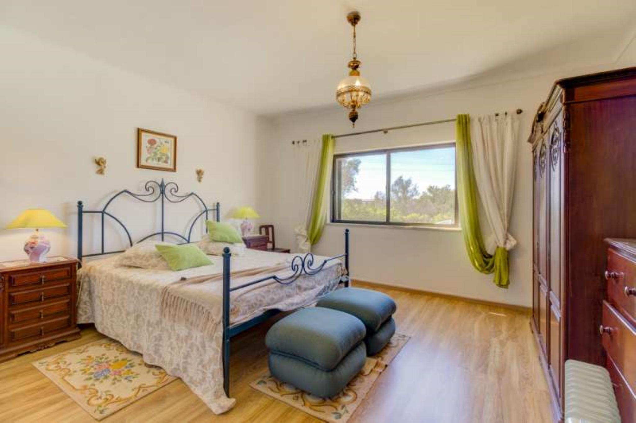 106368   Villa In Silves