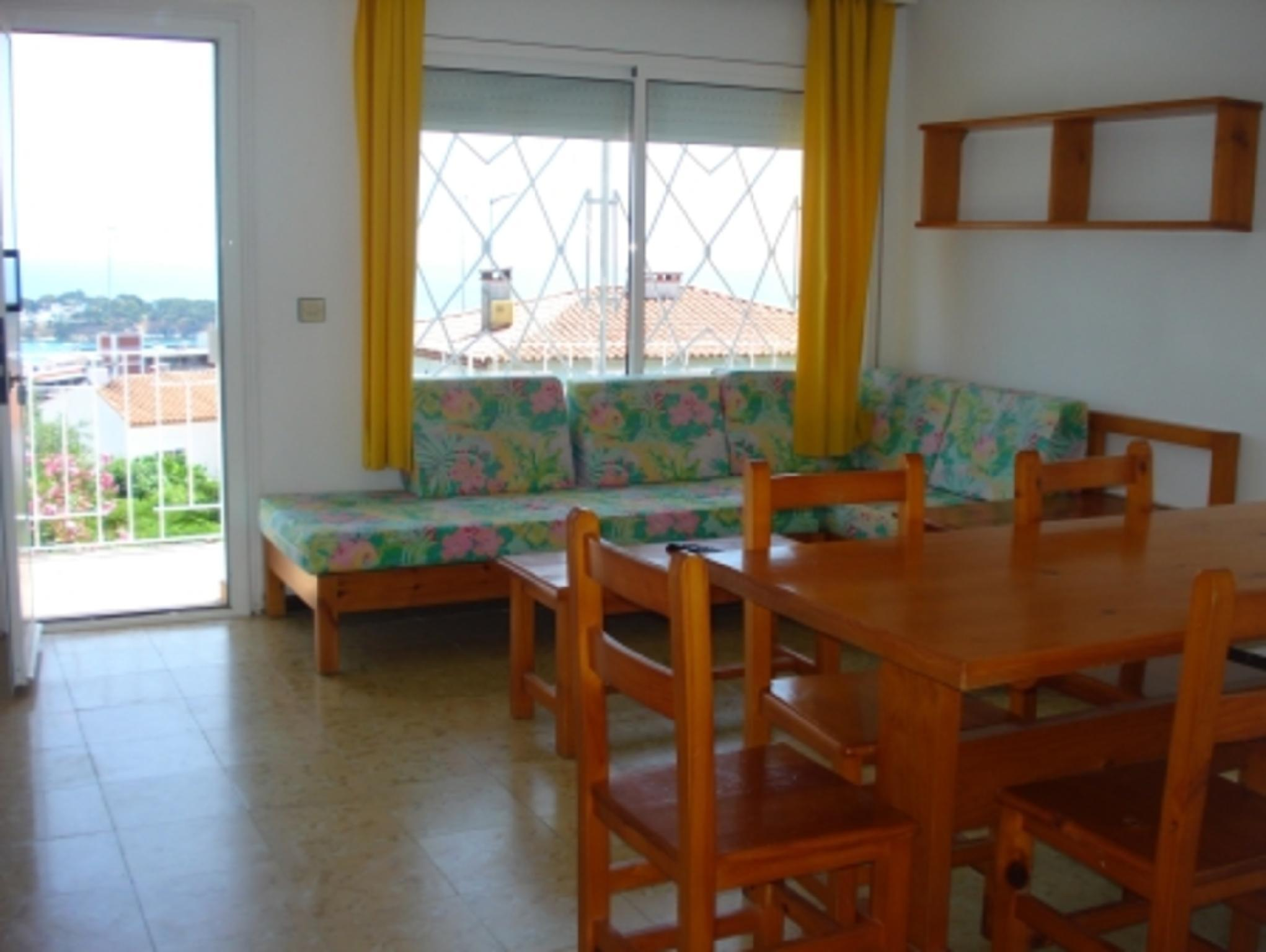104294   Apartment In Sant Feliu De Gu�xols