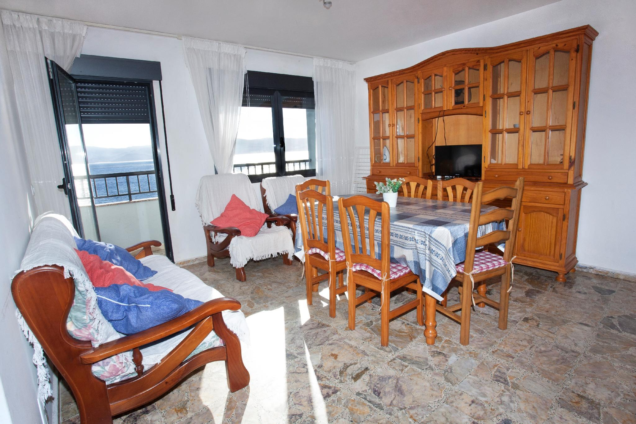 104065   Apartment In Portonovo