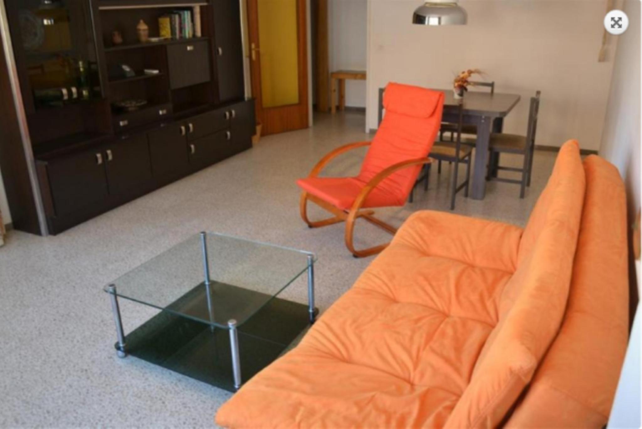 103548   Apartment In Llan��