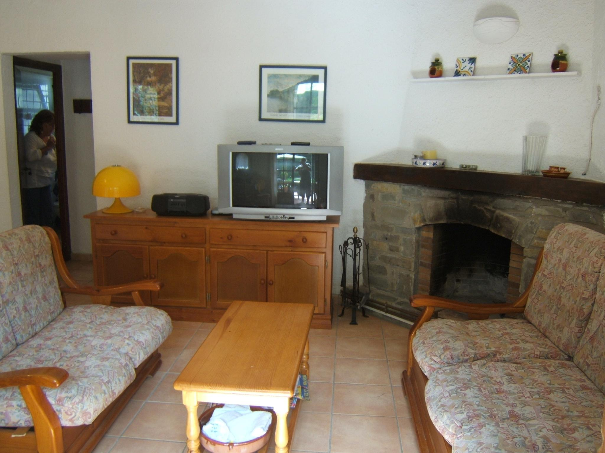 106593   House In Begur