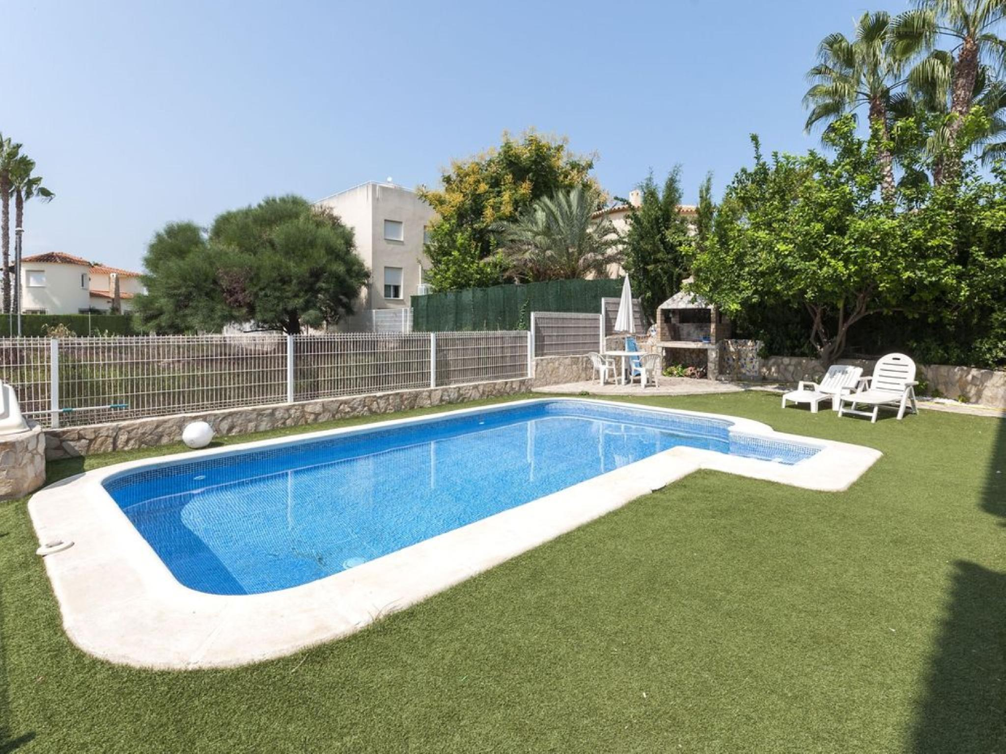 106244   House In Oliva