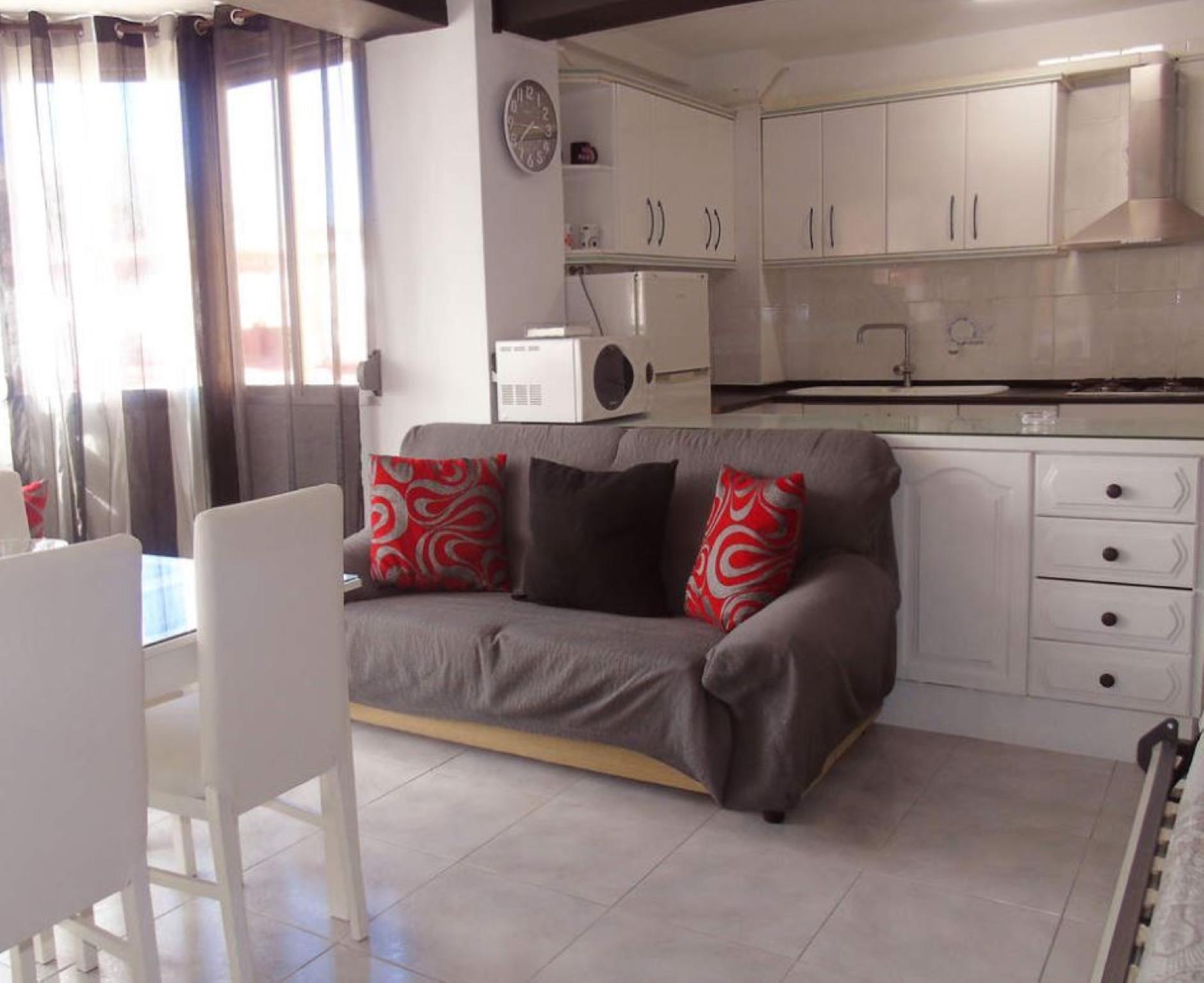 106972   Apartment In Torre Del Mar