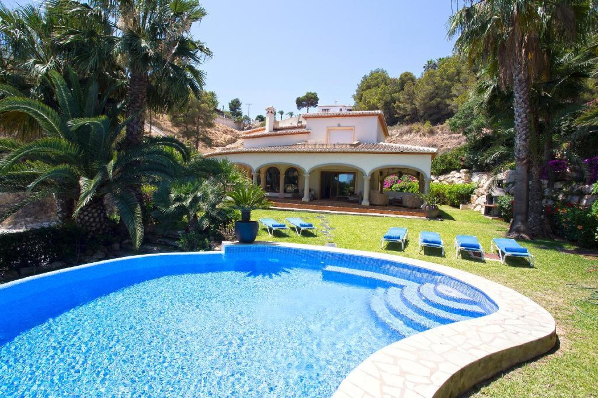 104470   Villa In X�bia