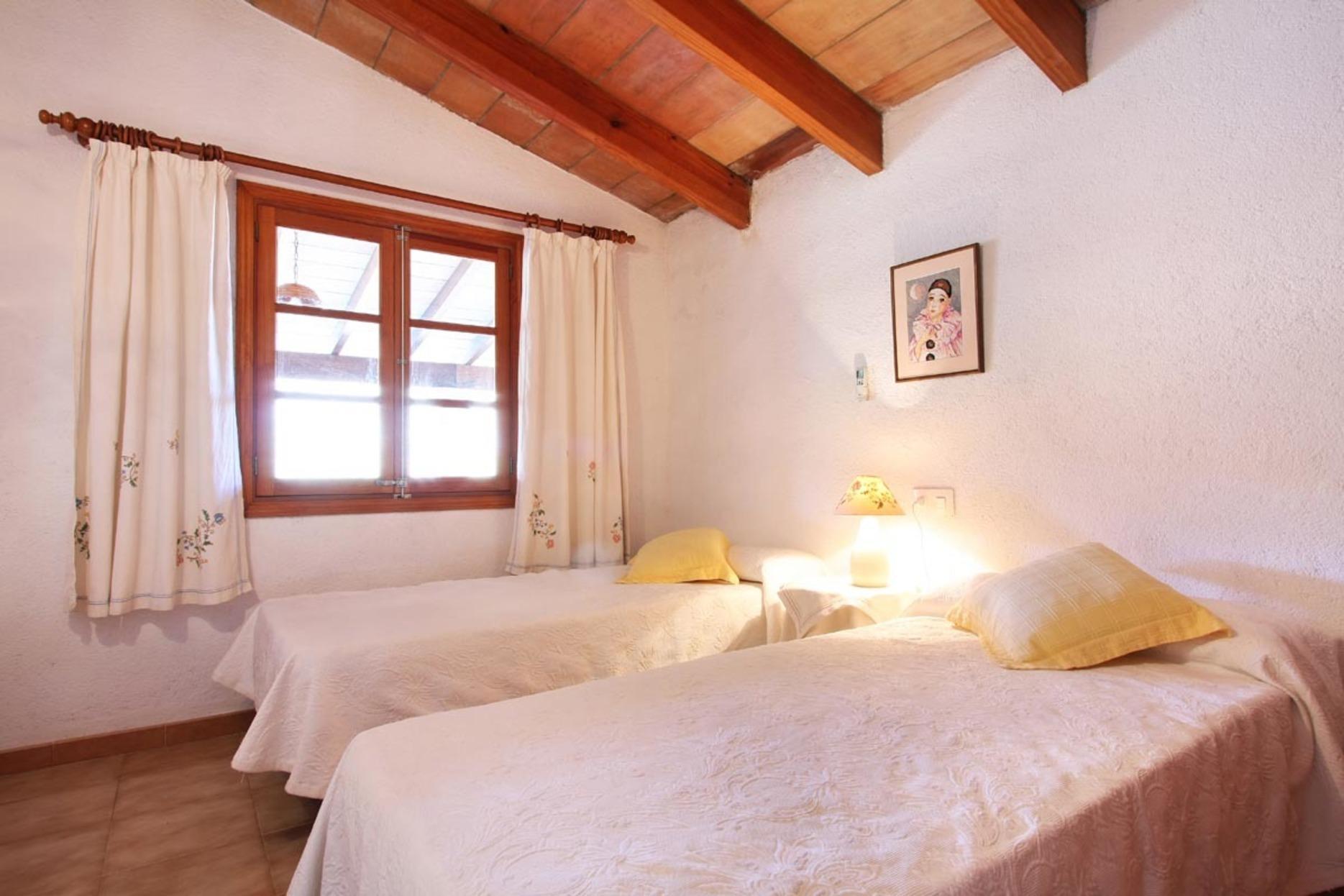 103171   Villa In Pollen�a
