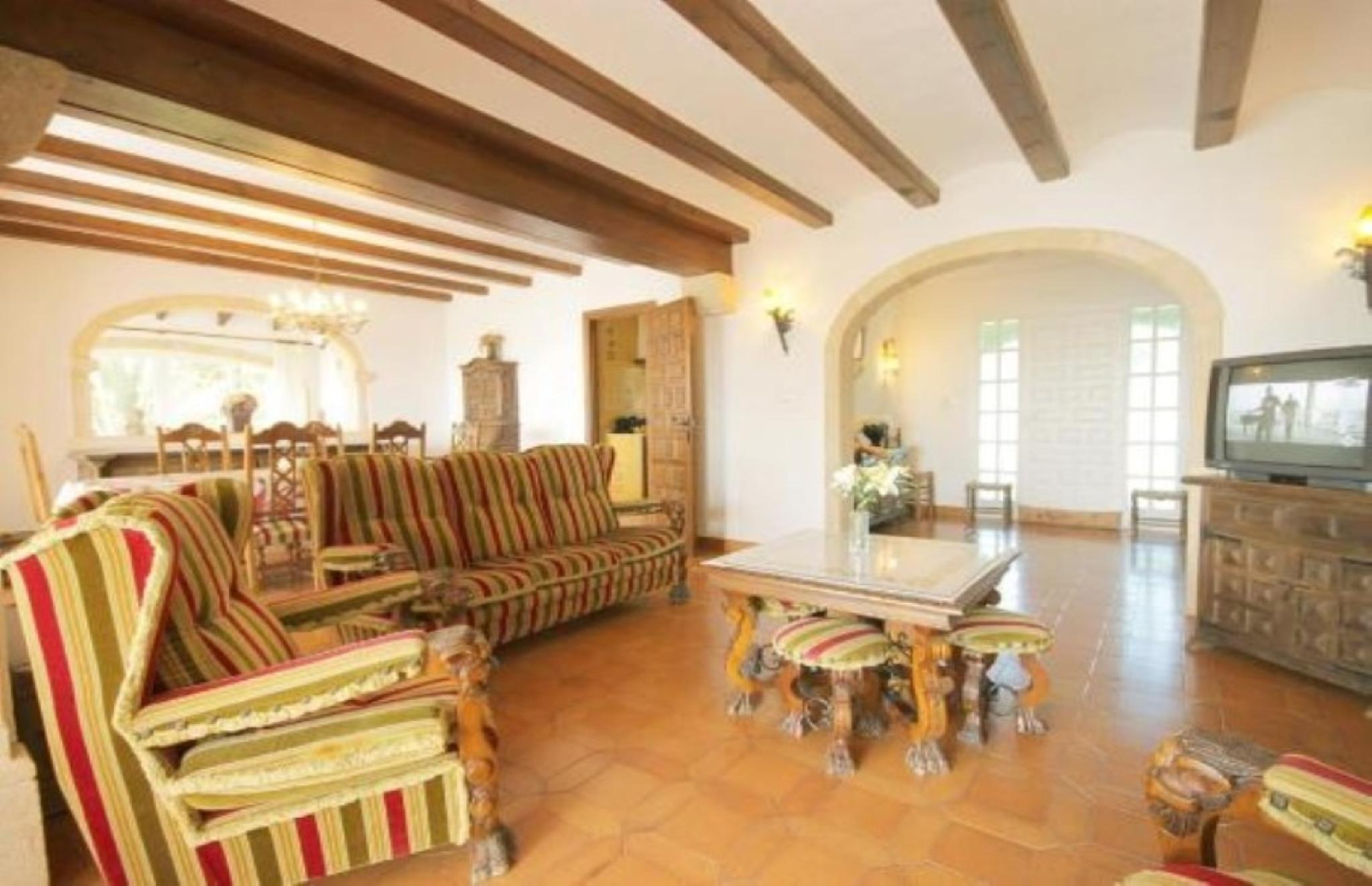 102755   Villa In X�bia