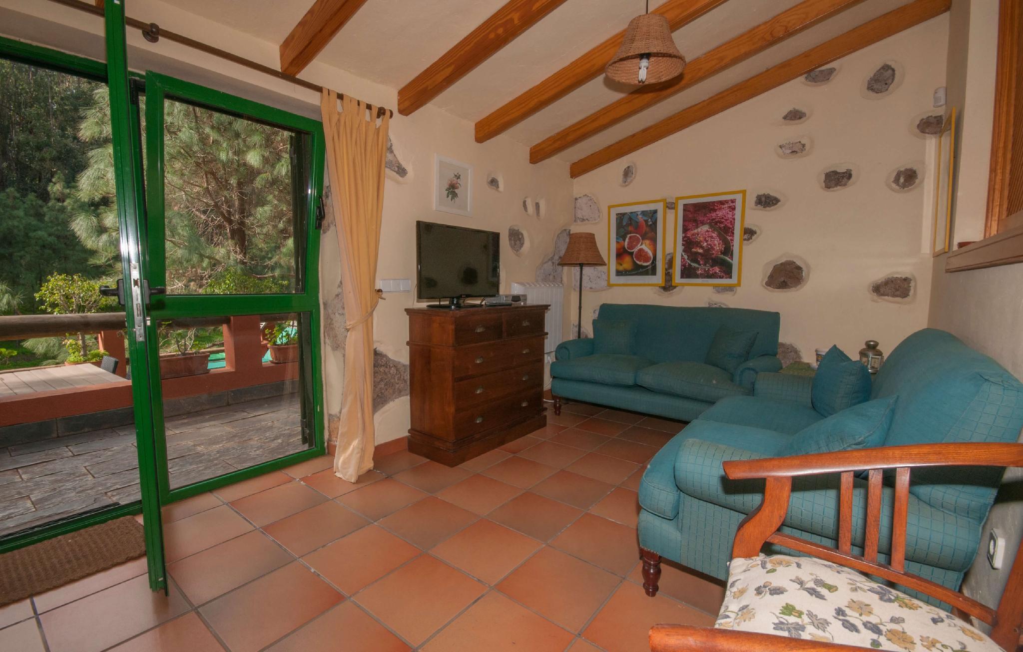 106795   House In Moya