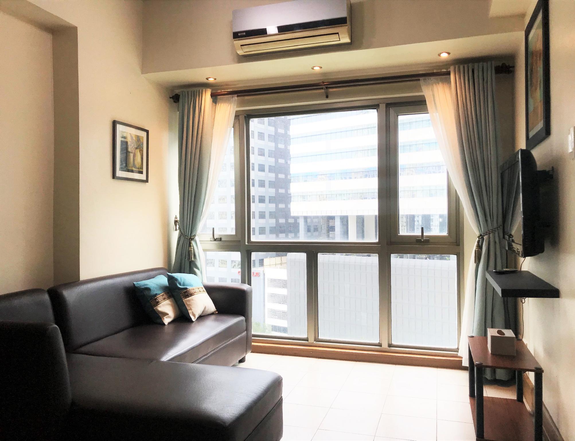 LuxFlats Romantic 1BR Suite W  Beautiful City View