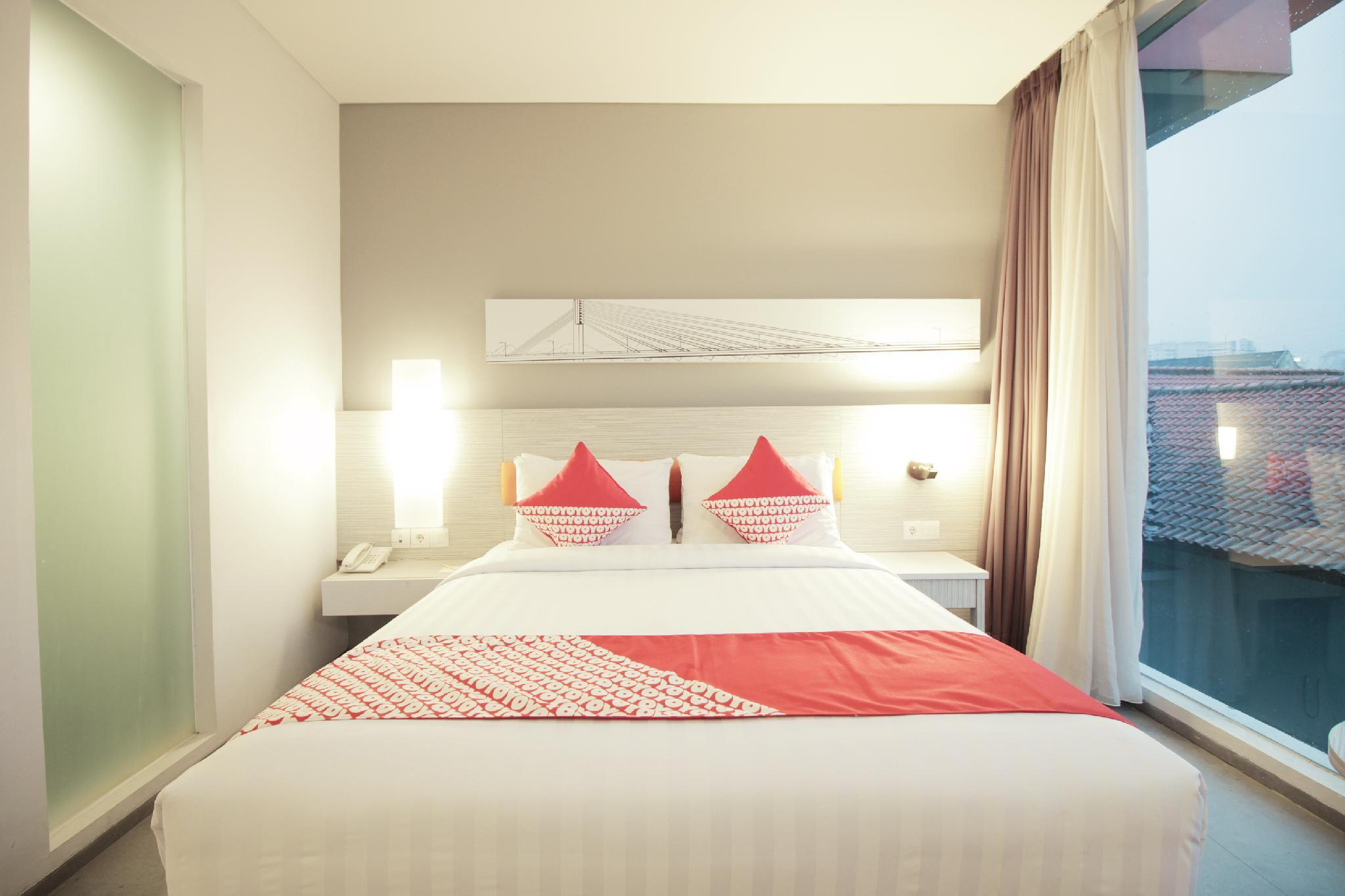 Topas Galeria Hotel