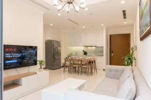 Flash sale!!! 2BR Lux Flat Vinhomes Central Park - Ho Chi Minh City