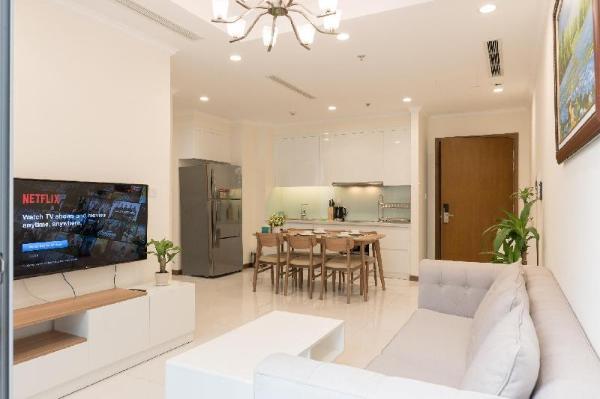 Flash sale!!! 2BR Lux Flat Vinhomes Central Park Ho Chi Minh City