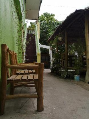 picture 3 of Guanna s Place