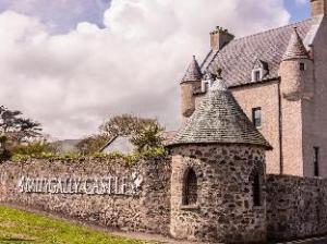 บัลลีกัลลีคาสเทิล (Ballygally Castle Hotel)