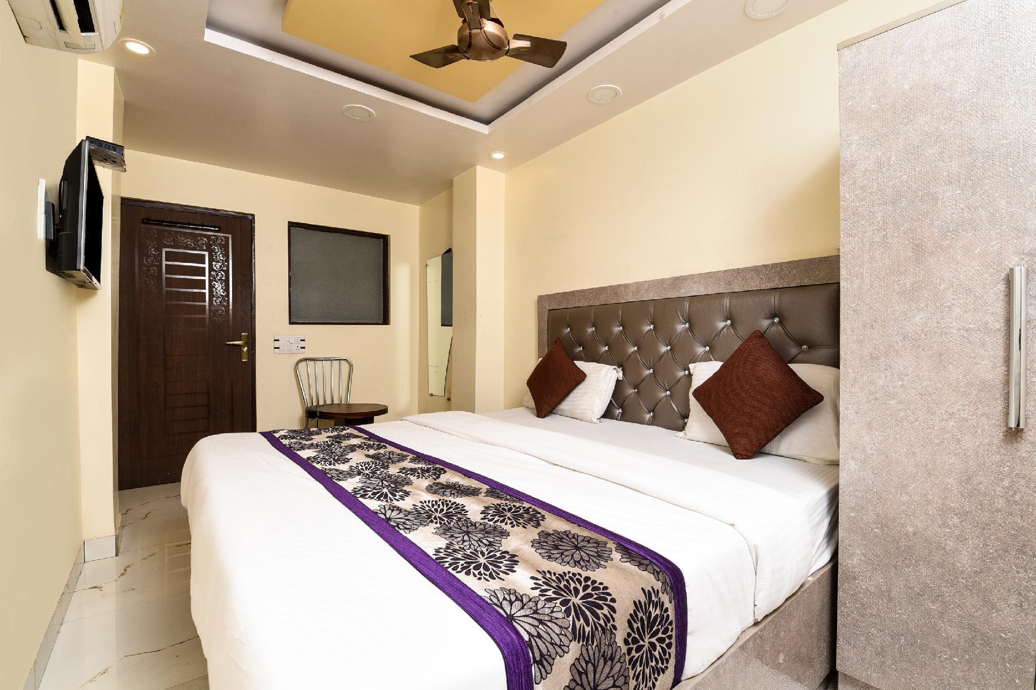 OYO 13455 Rama Krishna Hotel