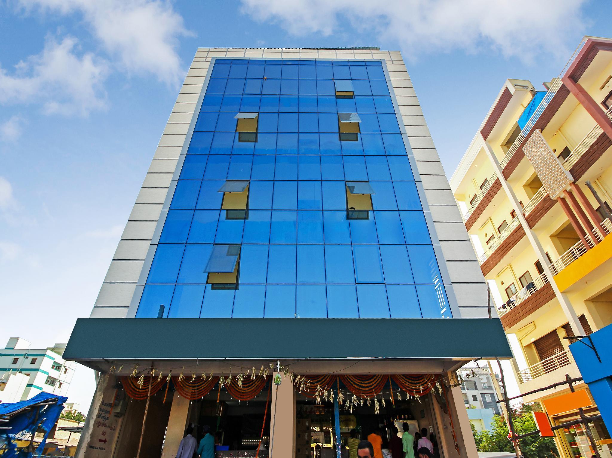 OYO Flagship 13544 Sri Sai Nilayam