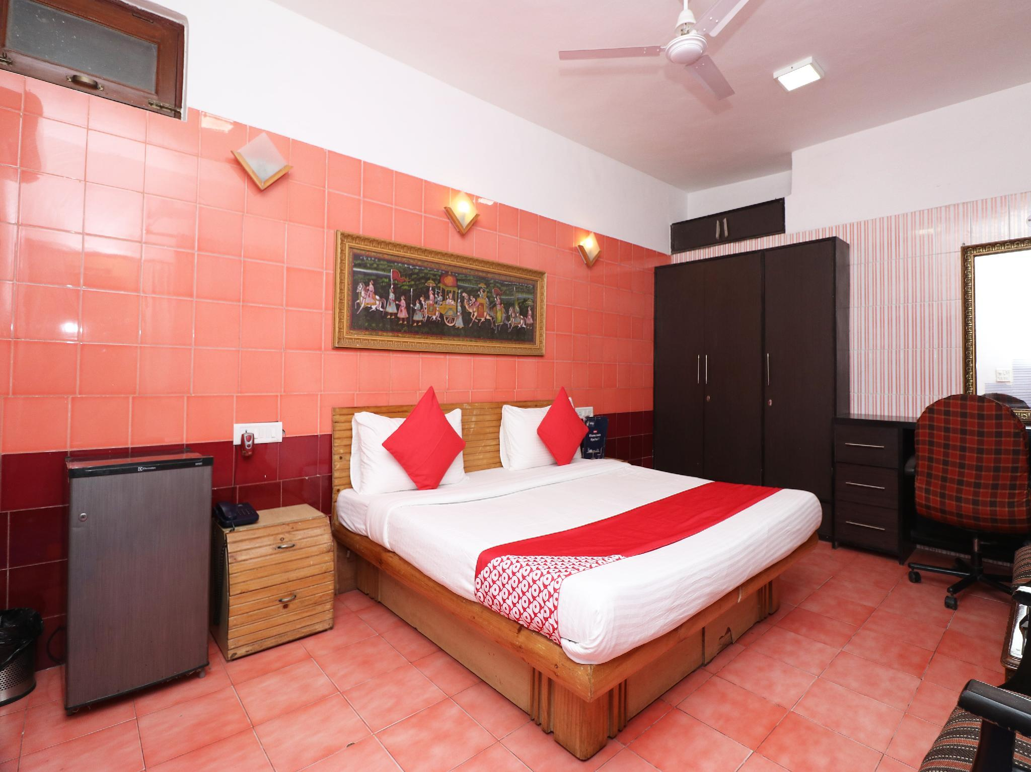 OYO 13495 Balaji Residency