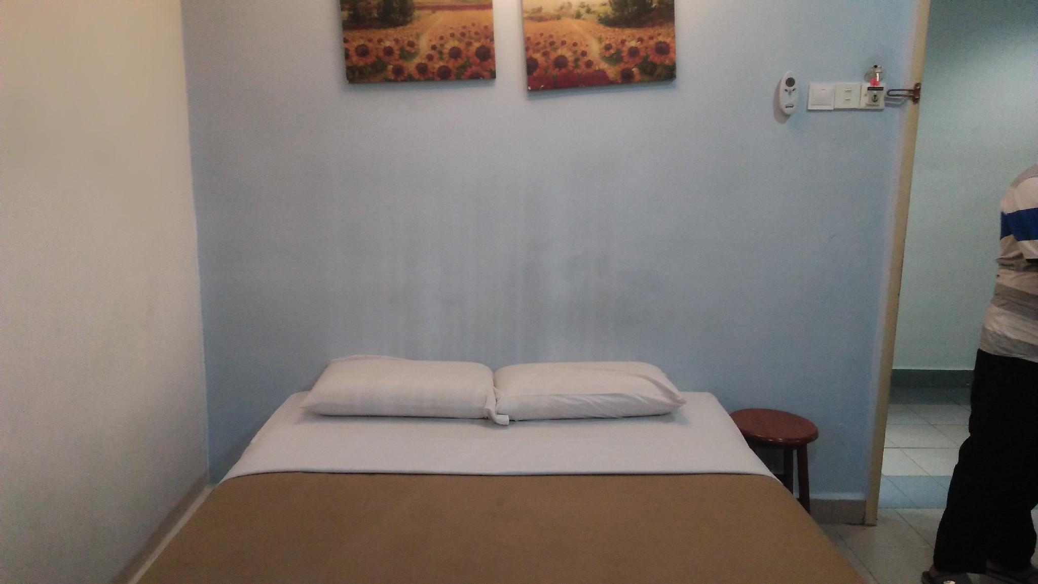 Dragon Inn Premium Hotel   J.B  Sdn Bhd