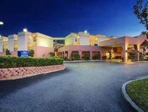Thông tin về Baymont Inn & Suites Tampa Near Busch Gardens (Baymont Inn & Suites Tampa Near Busch Gardens)