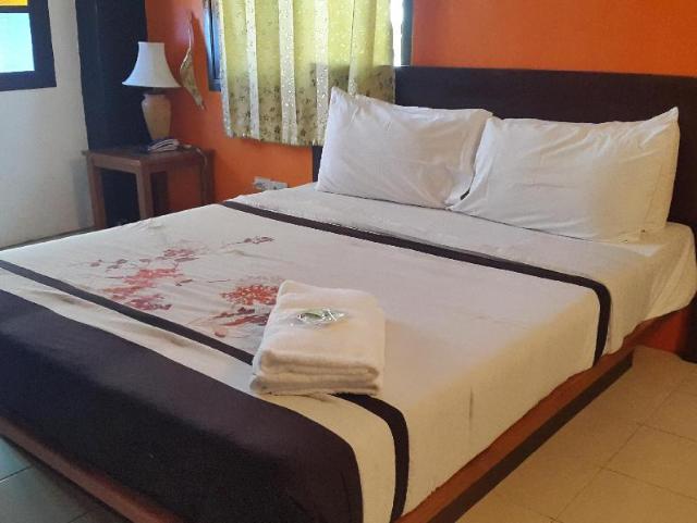 โรงแรมบางกอก ทราเวล สวีทส์ – Bangkok Travel Suites Hotel