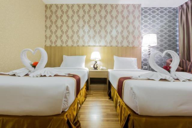 ทรี ซีซั่น เพลส โฮเทล – Three Seasons Place Hotel