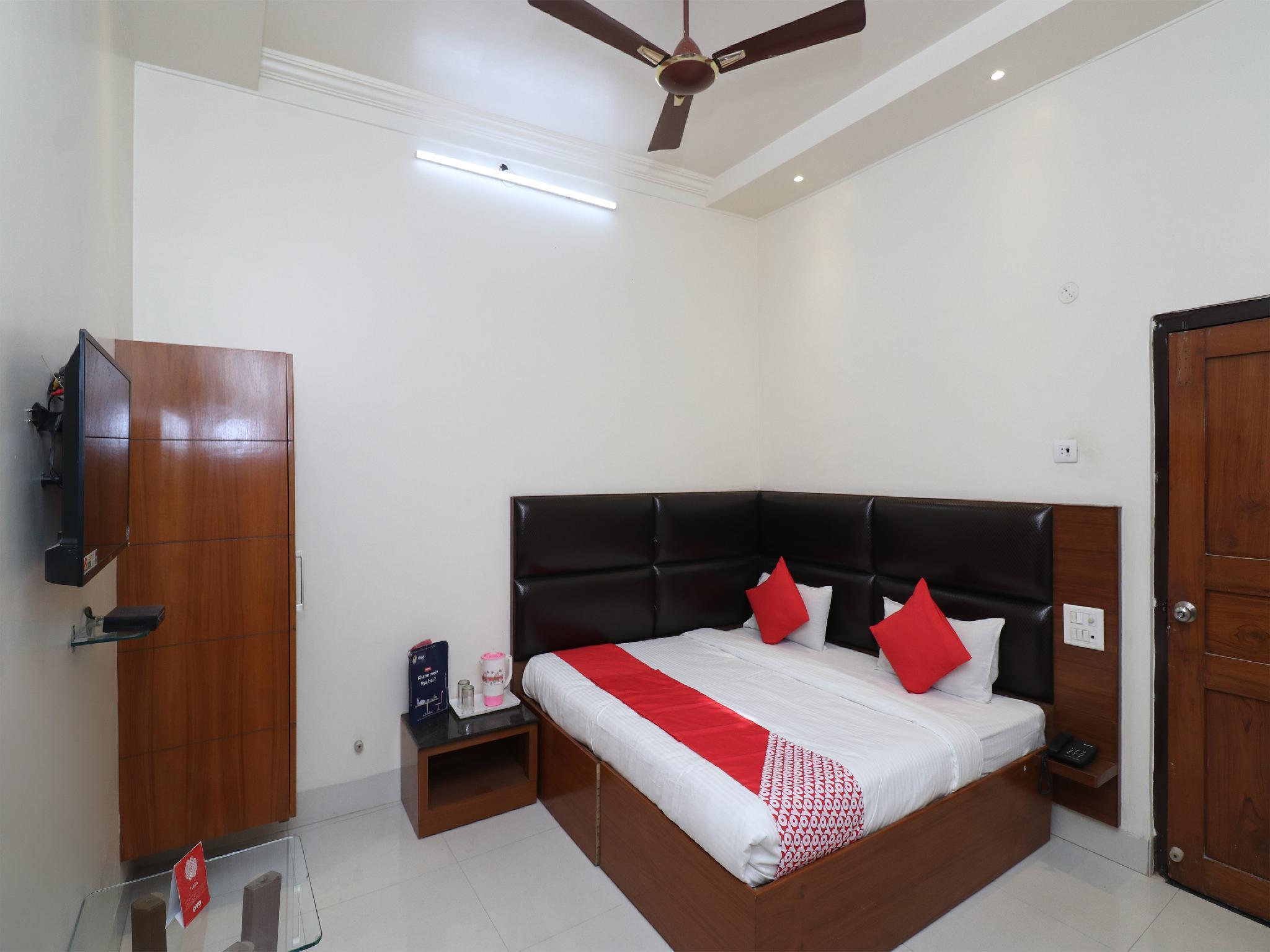 OYO 22396 Hotel Ashoka International