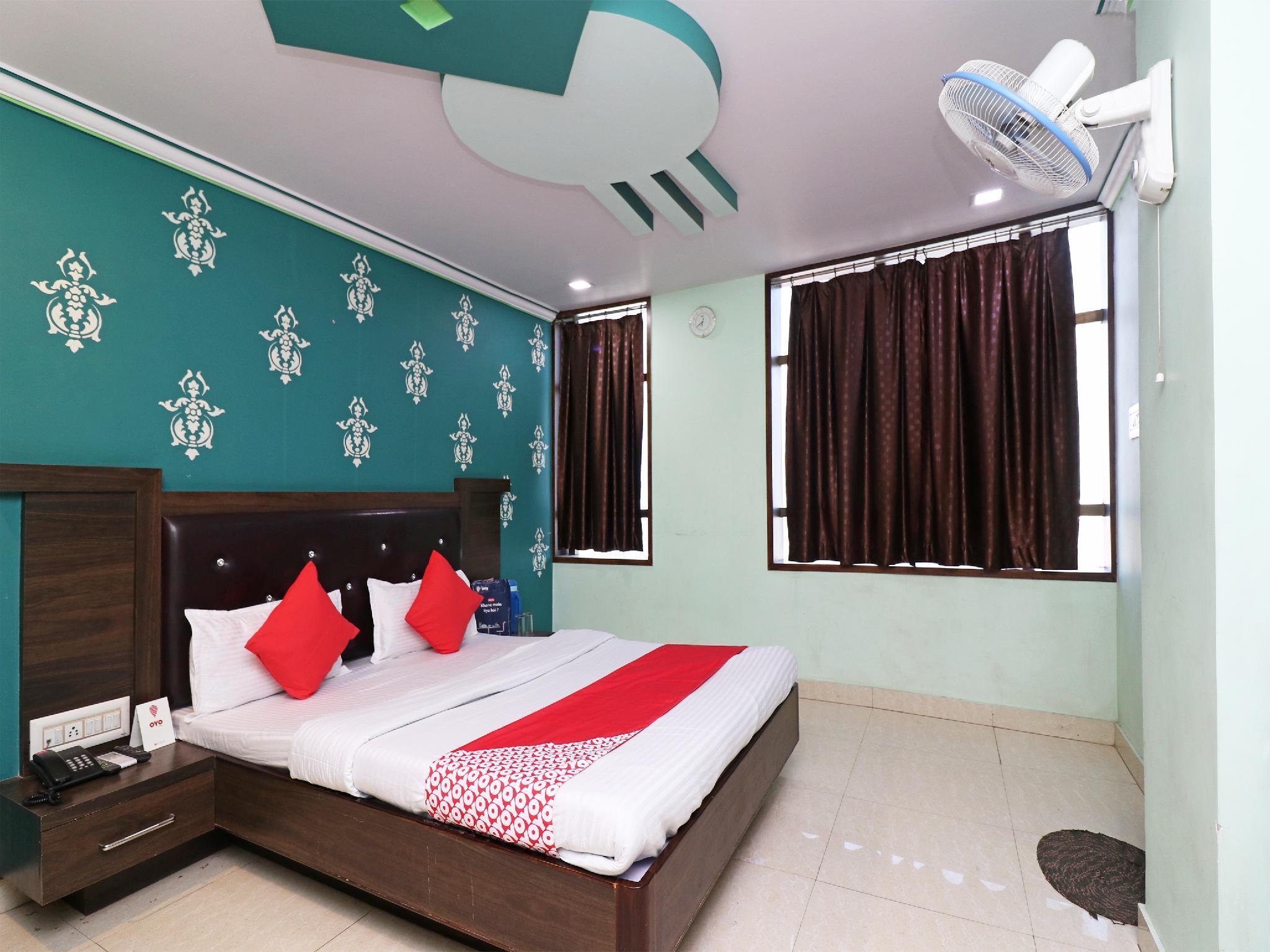 OYO 23166 Hotel Madani