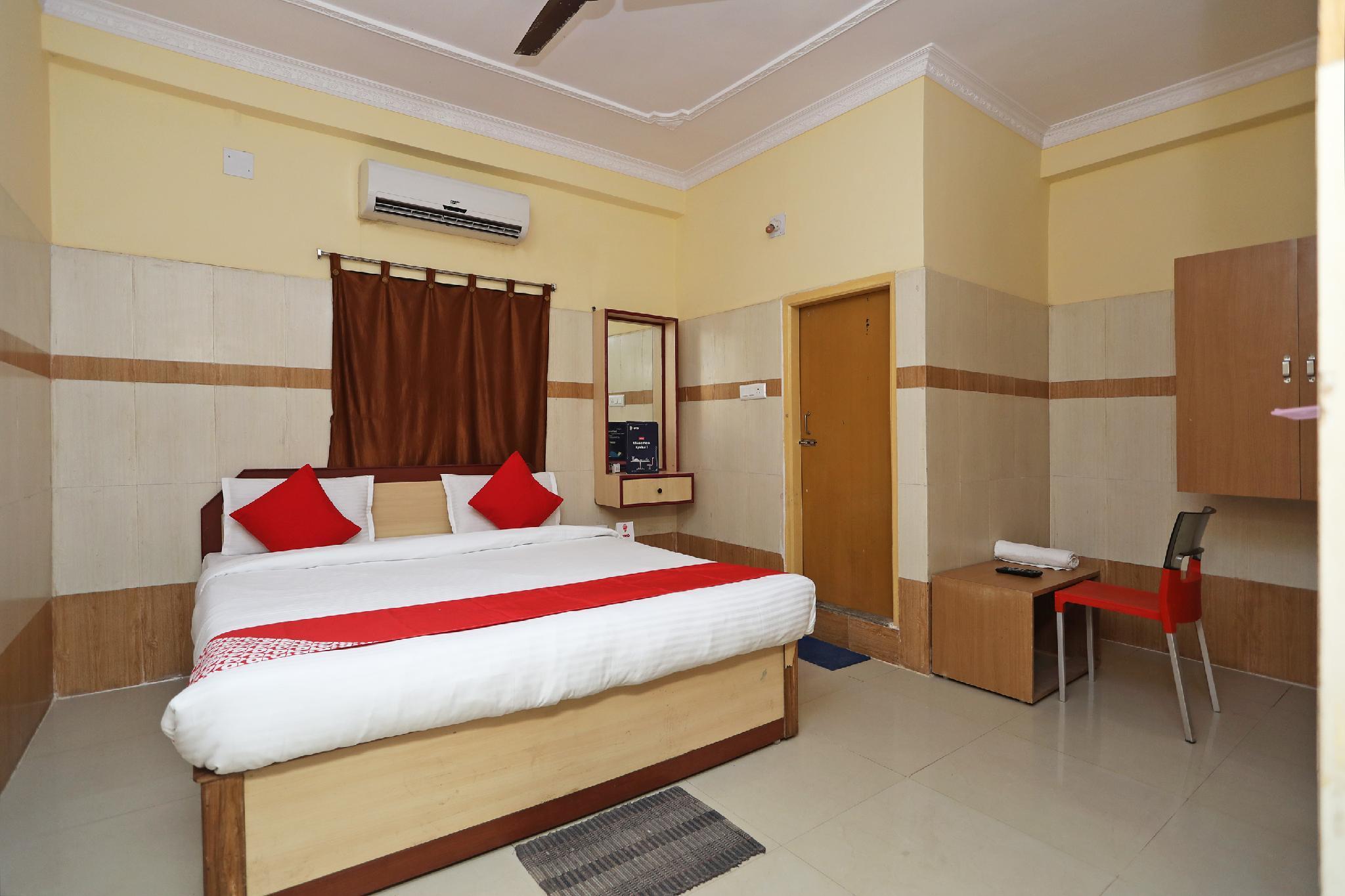 OYO 15915 Hotel Star Inn