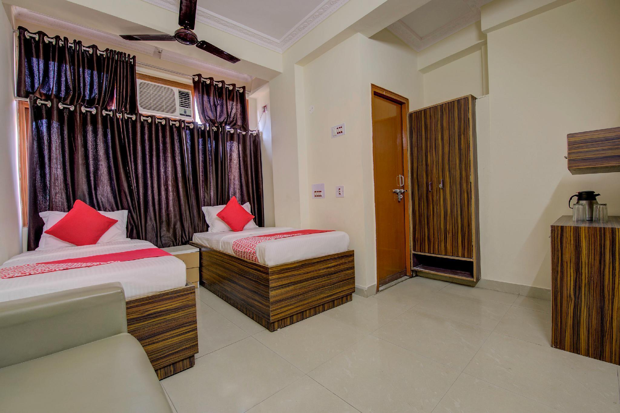 OYO 15589 Hotel Kamdhenu