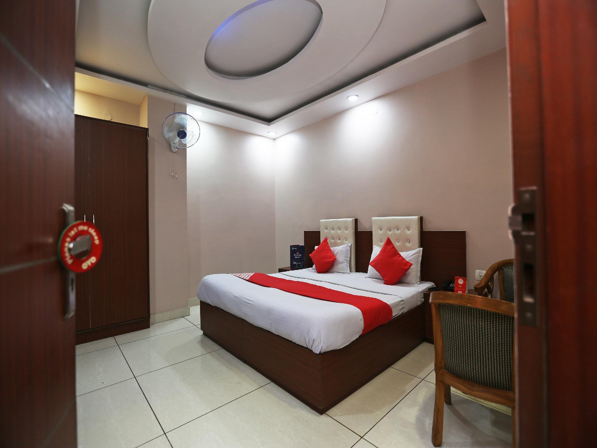 OYO 7831 Hotel King's