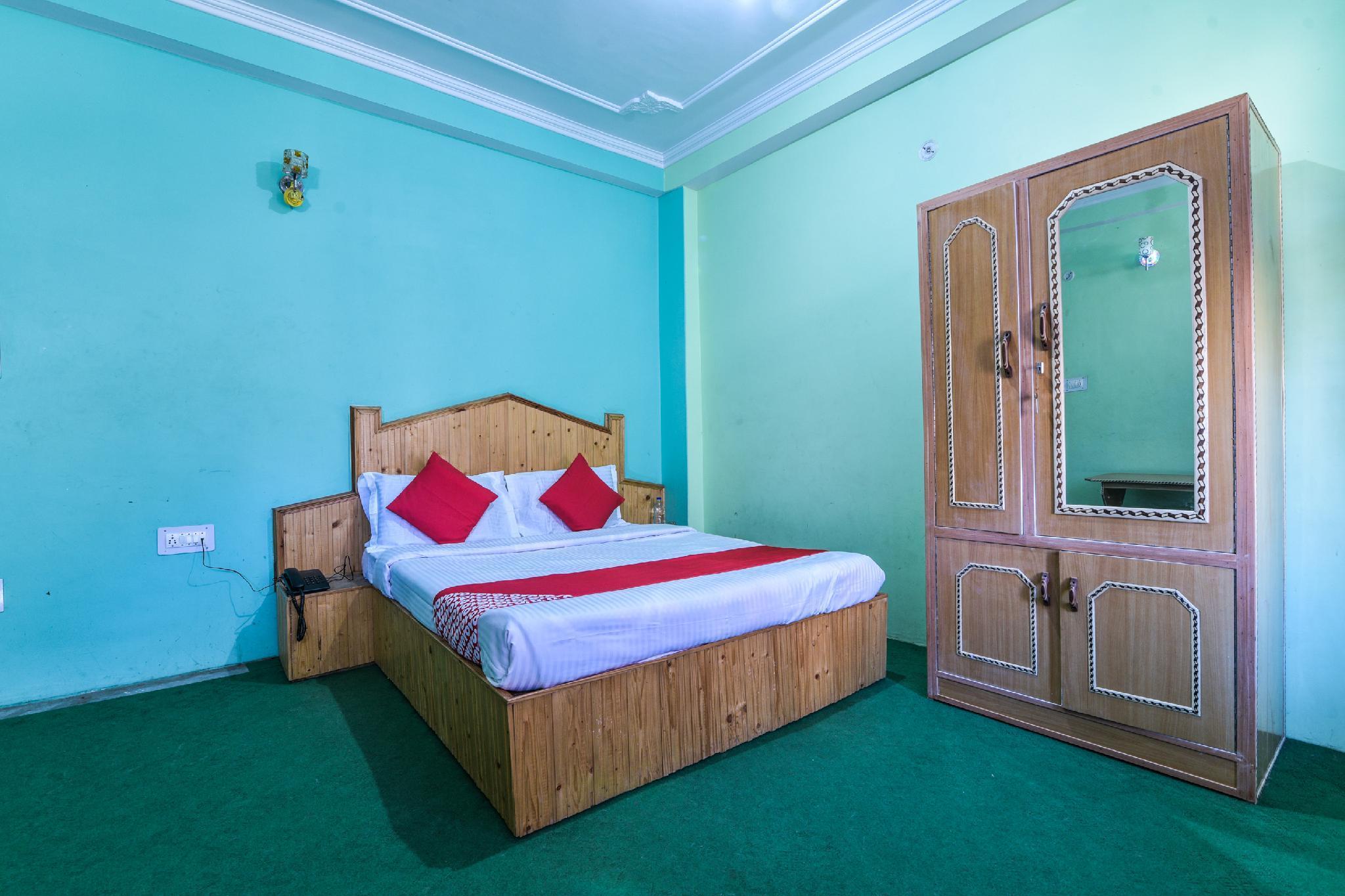 OYO 24873 Hotel Rama Palace