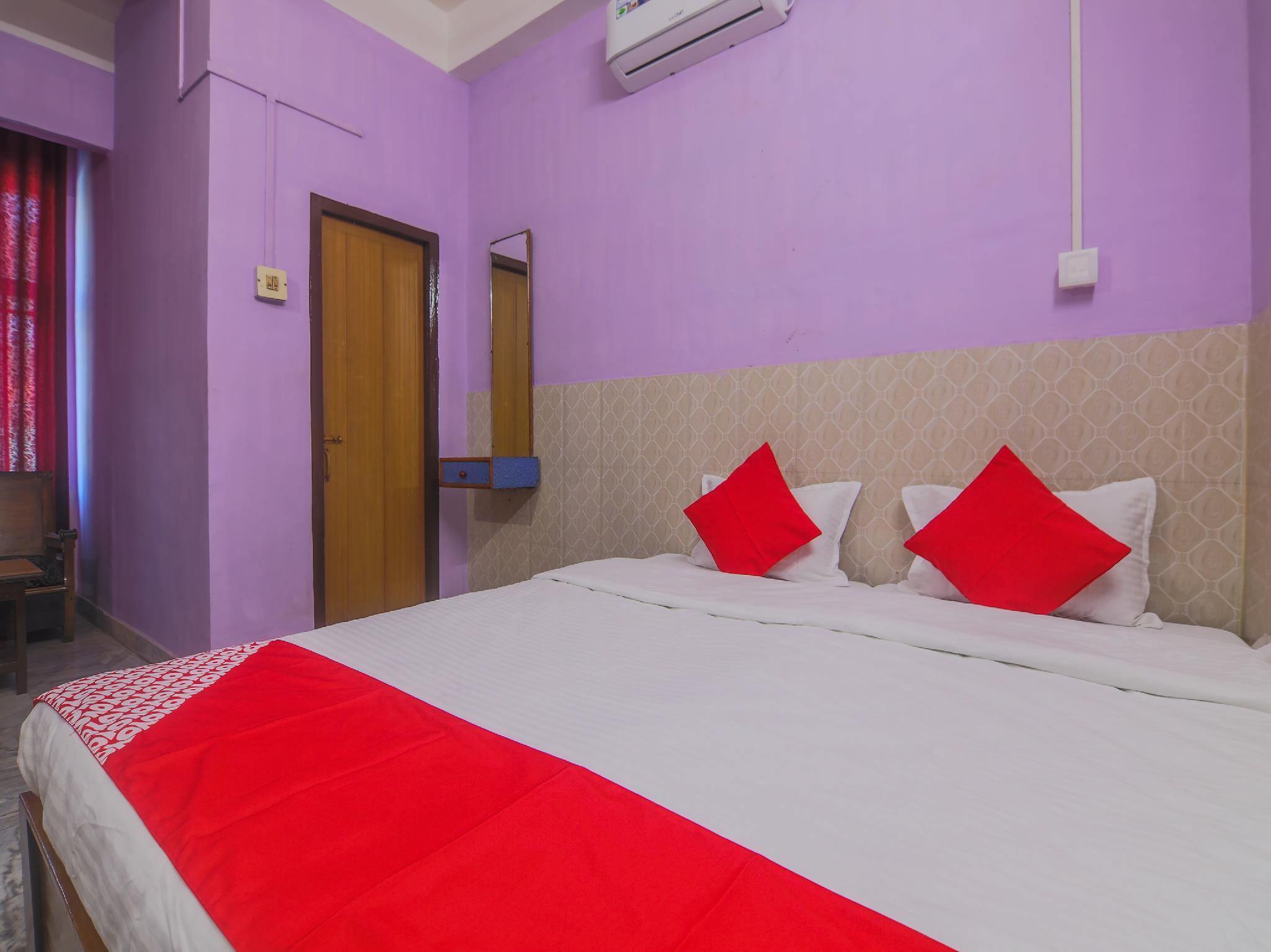 OYO 23373 Hotel Midline